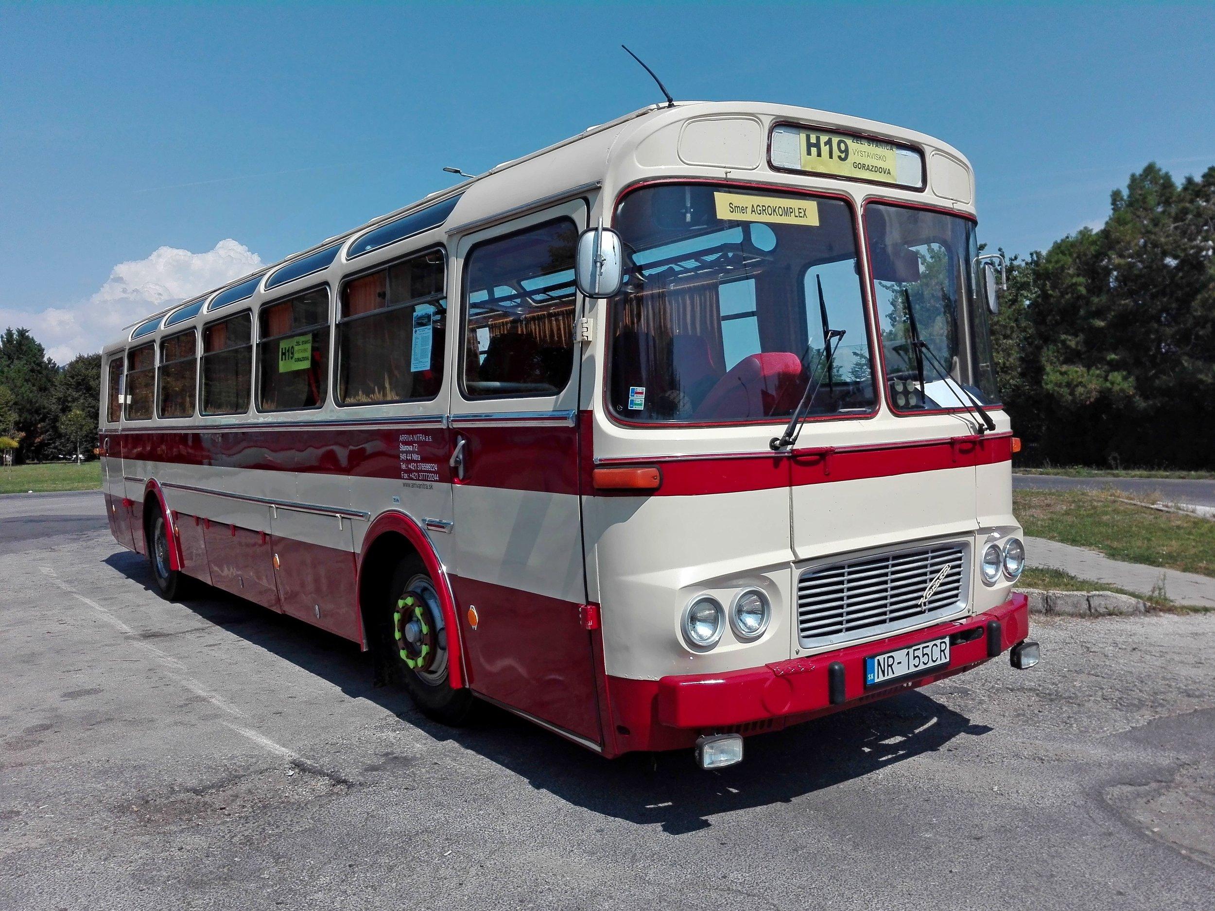 Autobus Karosa ŠL 11 se na zvláštní historickou linku při příležitosti zemědělského veletrhu vydá podruhé.(foto: Veterány.eu)