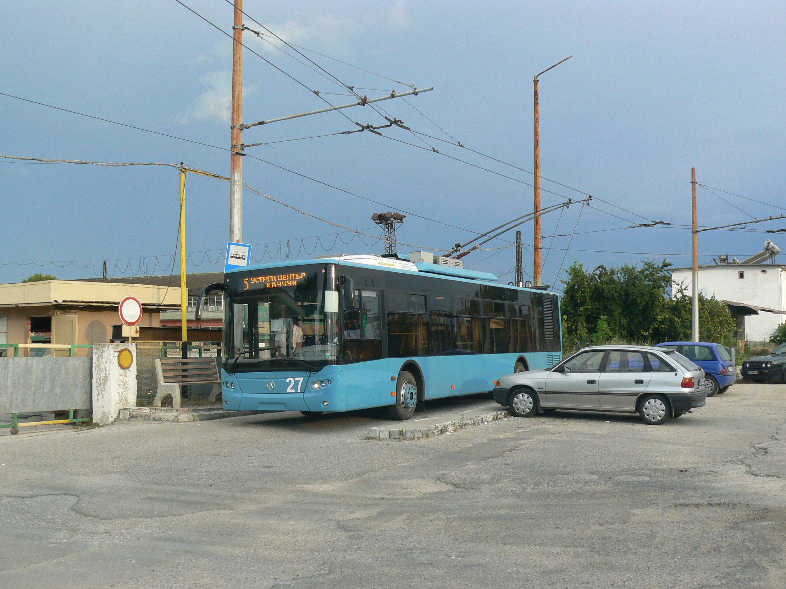 Ukrajinský LAZ E183A1 dodaný roku 2013.