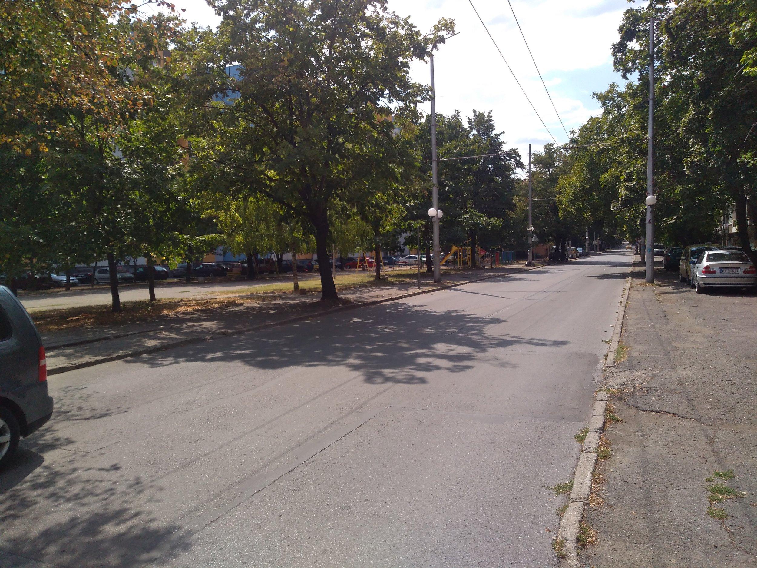Neprovozní trať na ulici Angel Kănčev.