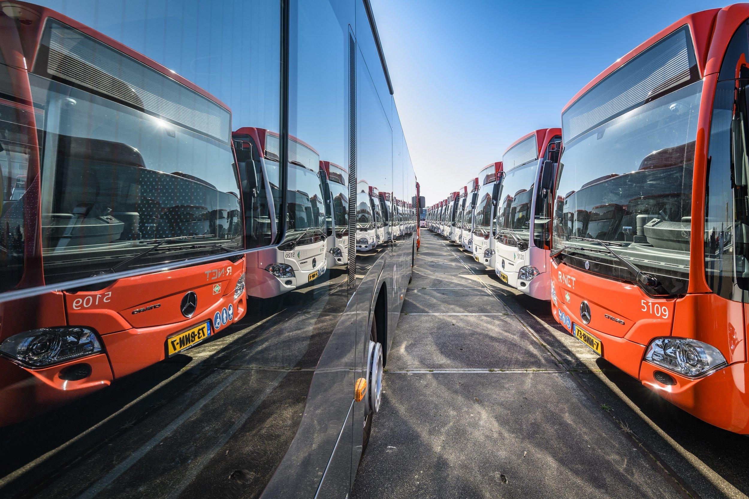 Část nových autobusů pro metropolitní oblast okolo Haagu. (foto: Daimler Buses)