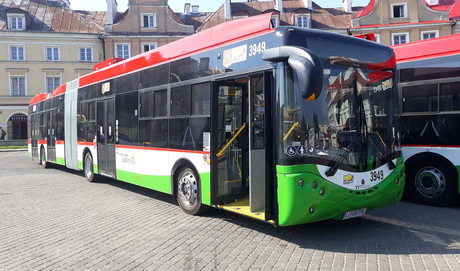 Jeden z článkových trolejbusů Ursus CS18LFT dodaný v roce 2018 do Lublinu. (foto: Ursus Bus)