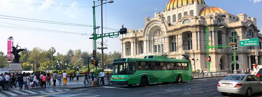Trolejbusy v Ciudad de México jezdí dosud, ačkoli za poslední dvě dekády nepřibyl do města jediný vůz a investice do údržby parku i trolejí v posledních letech soustavně klesaly. Od konce loňského roku ovšem nastal v negativním vývoji dramatický obrat. (foto: STE)