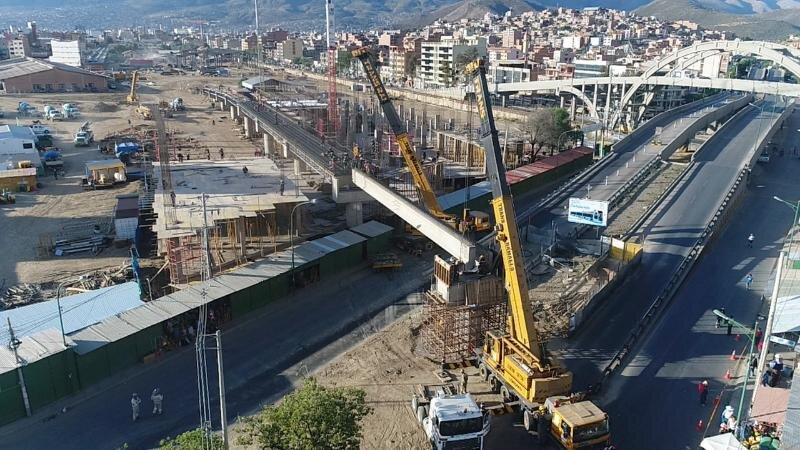 Přemostění třídy 6 de agosto na snímku z toho léta. (foto: Gobierno Autónomo Departamental de Cochabamba)