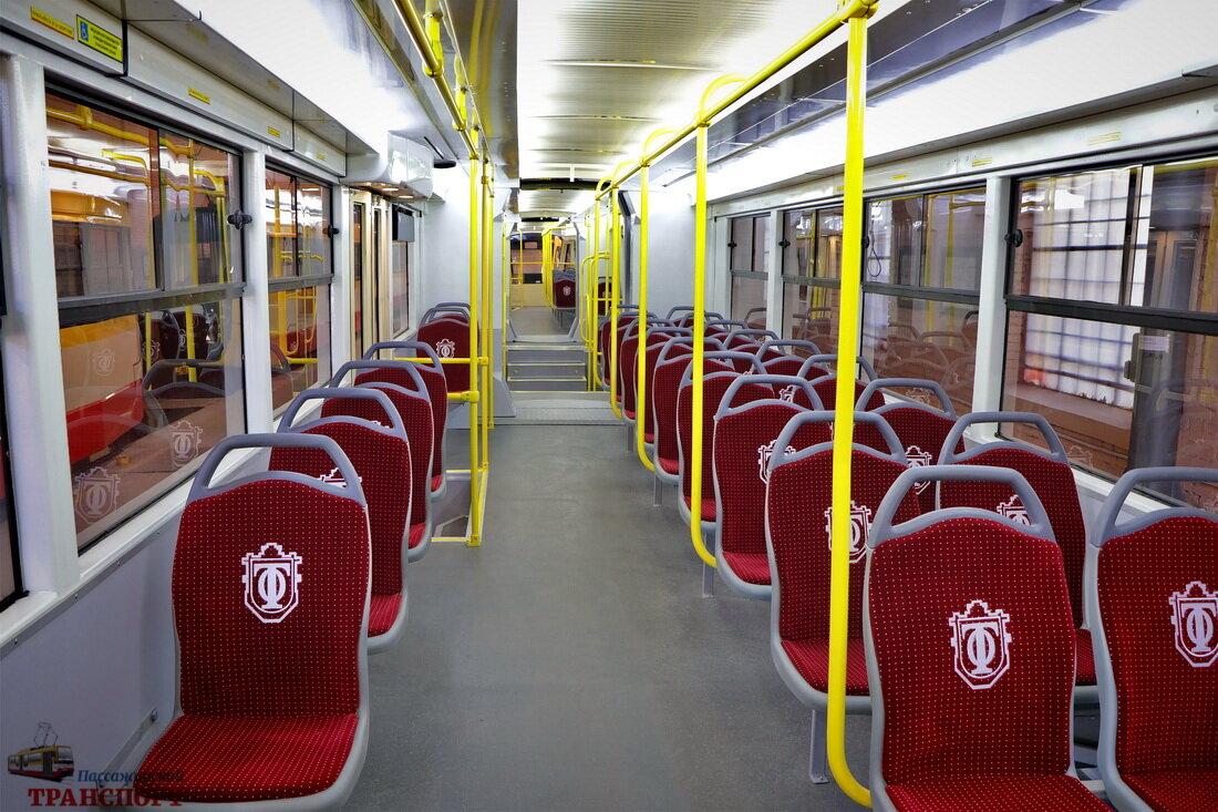 Pohled do interiéru modernizovaného vozu. (foto: ПАССАЖИРСКИЙ ТРАНСПОРТ)