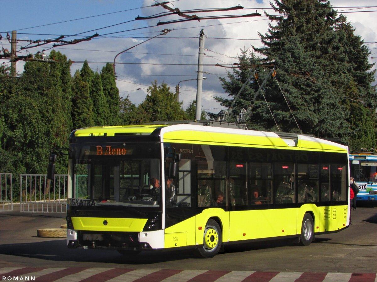 Vozidla z letošní 50kusové zakázky se už vyrábějí a některá již dokončují. První nich si vyjelo na svou první projížďku po městě dne 19. 9. 2019. (foto: Roman Zaruma)