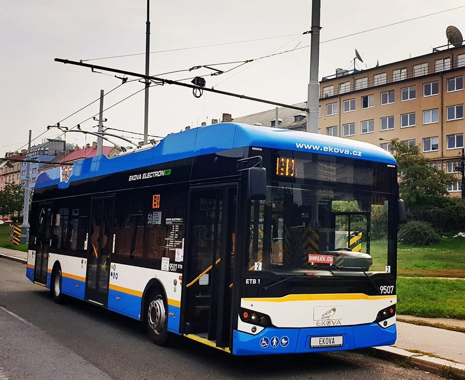 Trolejbus v Praze. (foto: EKOVA ELECTRIC)