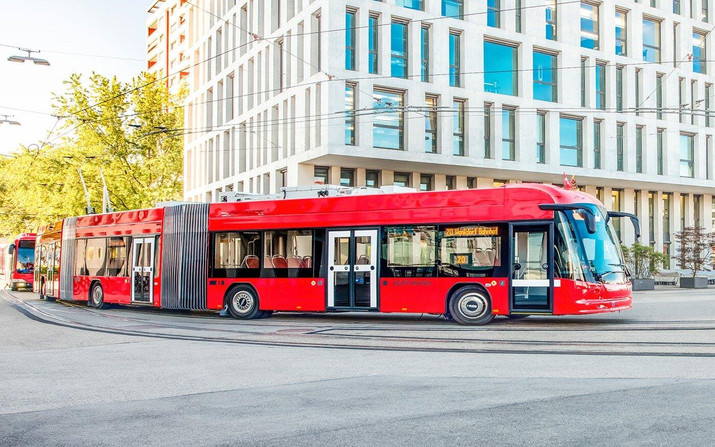 Trolejbus lighTram® 25 DC v Bernu. (foto: Bernmobil)