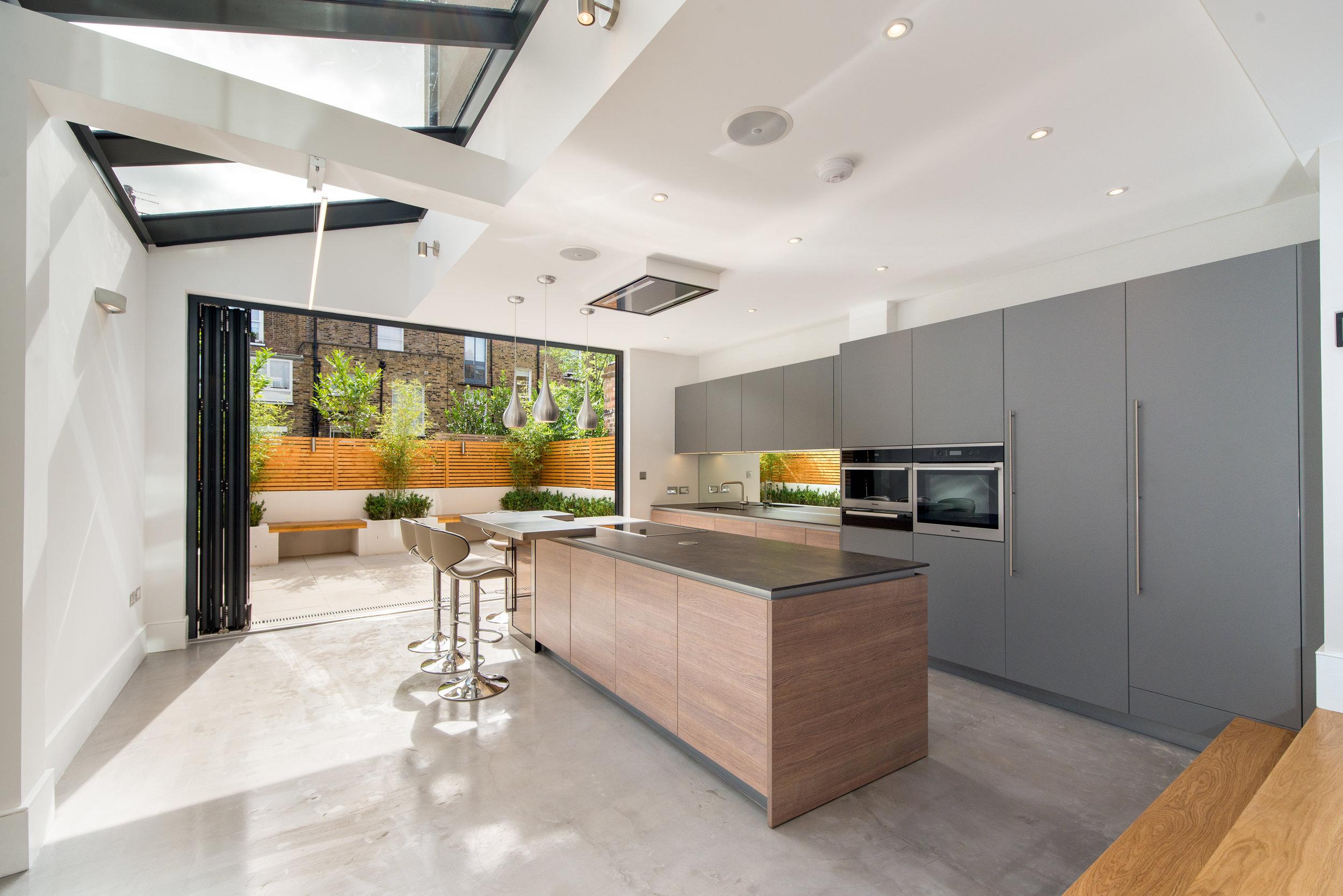 Kitchen KR003.jpg