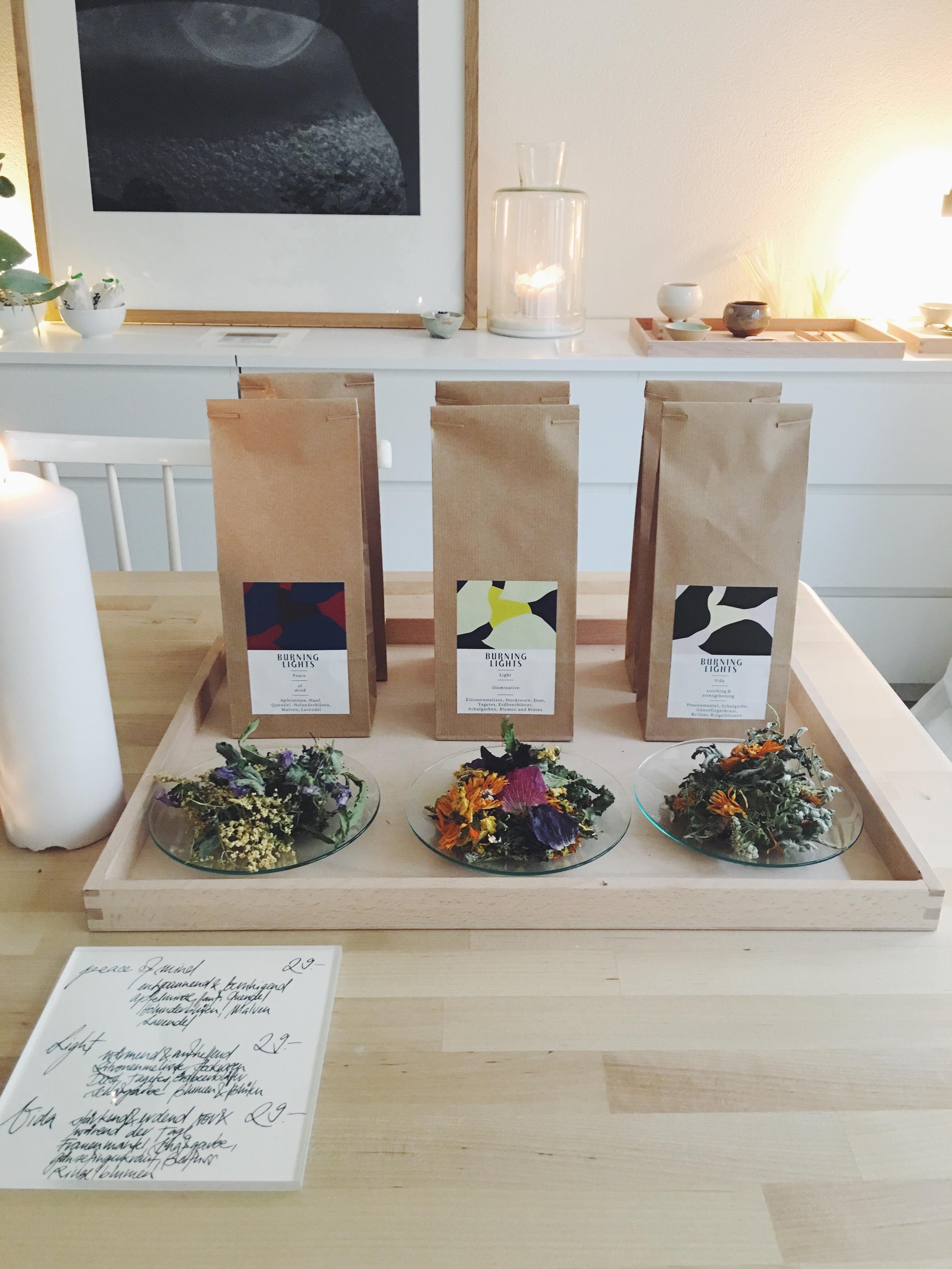 Handgepflückte, sonnengetrocknete, Schweizer Bio-Tees