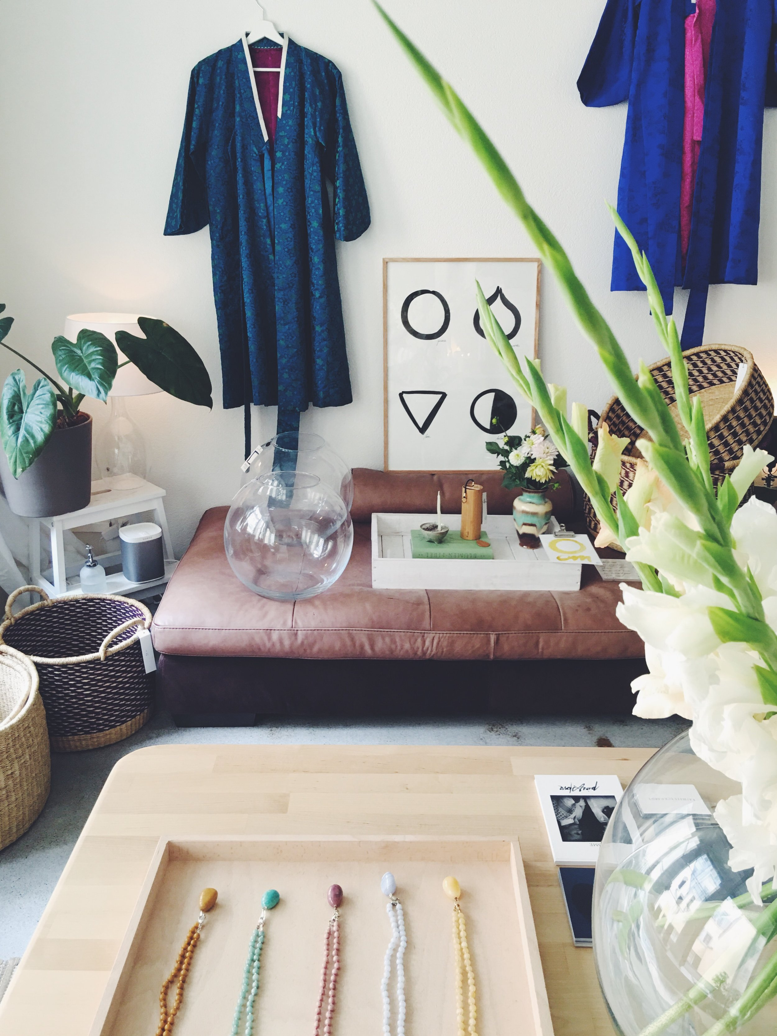 Lionheart charms, Vintage Coats , bowls Burninglights, baskets Kathrin Eckhardt