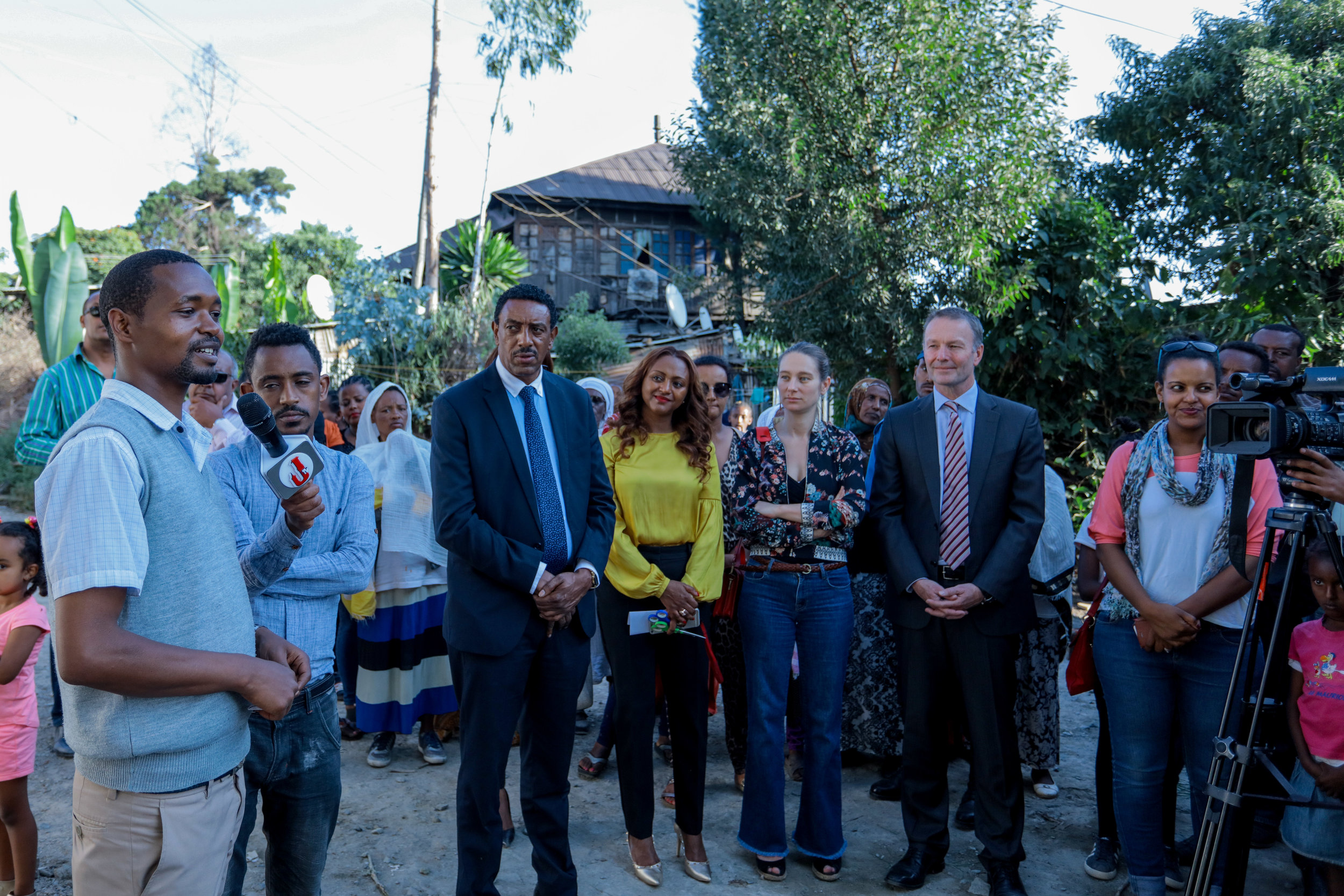 Head of the local administrative office, Ato Alemayehu, expressing his gratitude to BHE and the Australian Embassy In Addis Ababa.  Photo Credit: Mekbib Tadesse