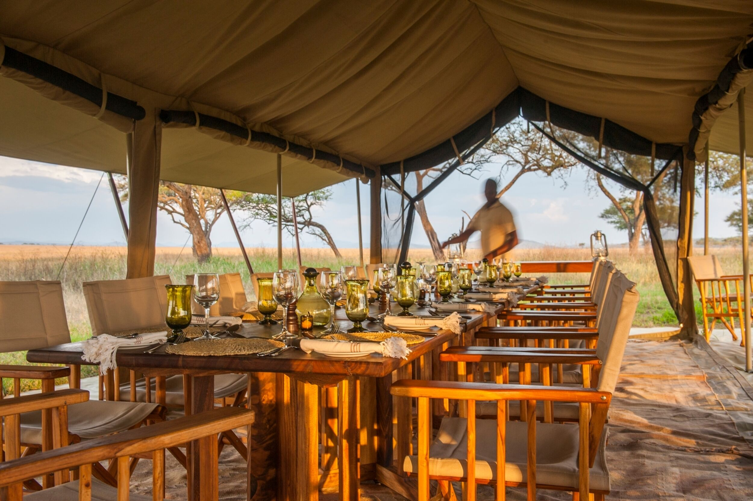Serengeti_Safari_Camp_Dining_Area.jpeg