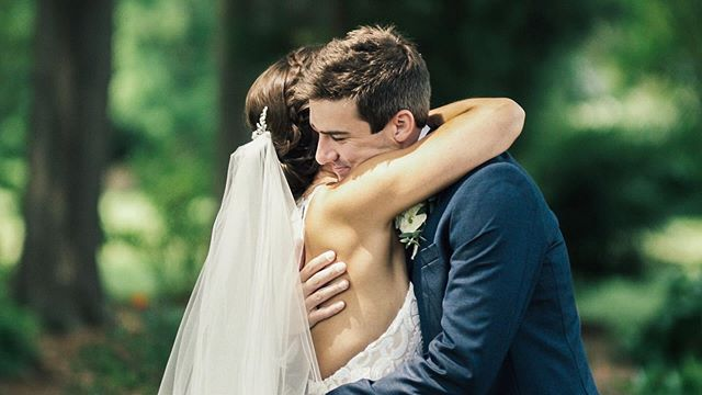Our newest video is posted to our blog! Check out our link in bio to see Sarah and Andrew's wedding day unfold. Sarah and I met a few years back through a mutual friend. We were honored to be asked to film her wedding. It's obvious that these two are surrounded and supported by so many friends and family.. cheers Sarah and Andrew to a lifetime of happiness. #kjrstudio #easternshoremd #theoakswaterfrontweddings