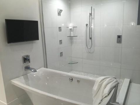 Mastre bath.jpg
