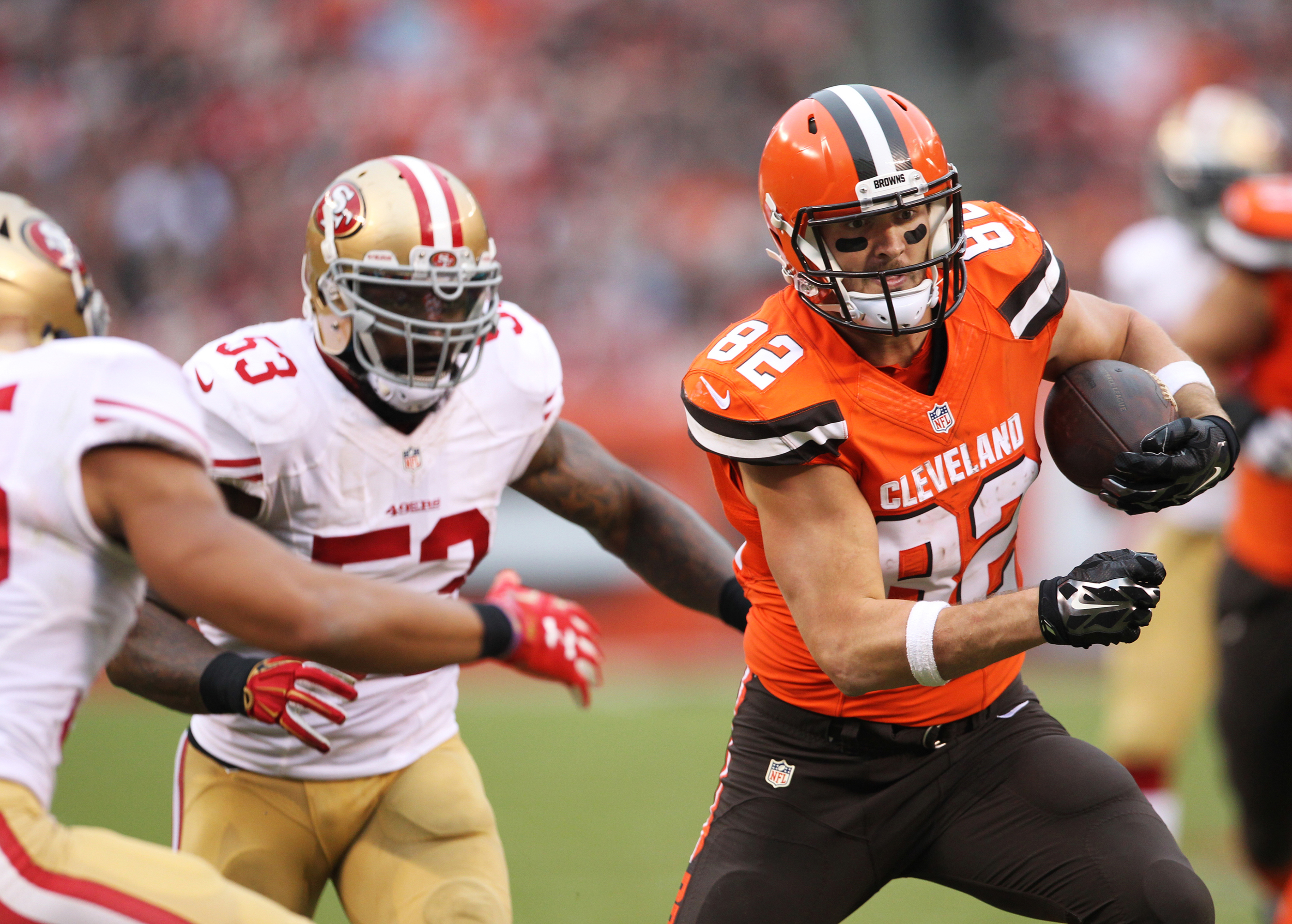 Cleveland tight end Gary Barnidge (82) runs after a completed pass as the Browns drive down the field to score their second touchdown against the San Francisco 49eres during the third quarter of the NFL football game at First Energy Stadium on Sunday, Dec. 13, 2015 in Cleveland, Ohio. The Browns beat the 49ers 23-10 for their first win in 2 months, bringing their record to 3-10 overall.