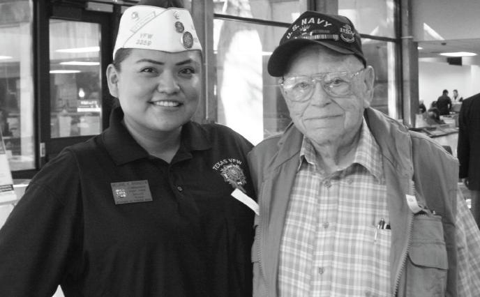 Veterans Melanie Brandow, left, and Marvin Marks at the Richland Veterans Resource Fair on Nov 2.
