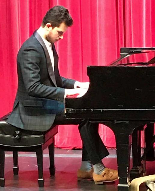 Shokvrit Mand – piano