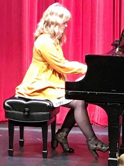 Olivia Beattie – piano