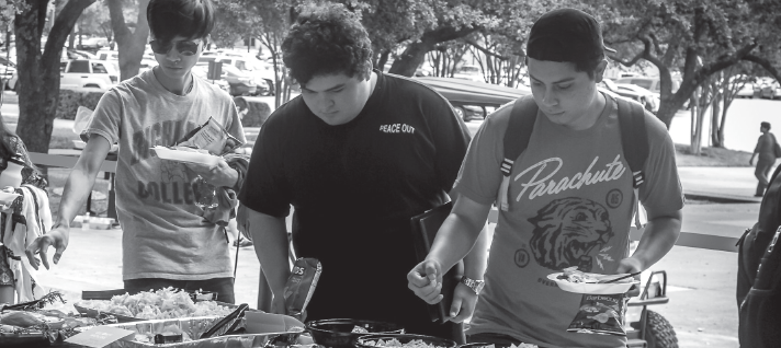 Students enjoy the food during the Welcome Back Bash last spring.