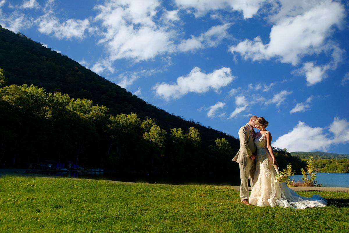 #1007-Jessica&Robert-Bear-Mountain-Inn-687-Edit.jpg