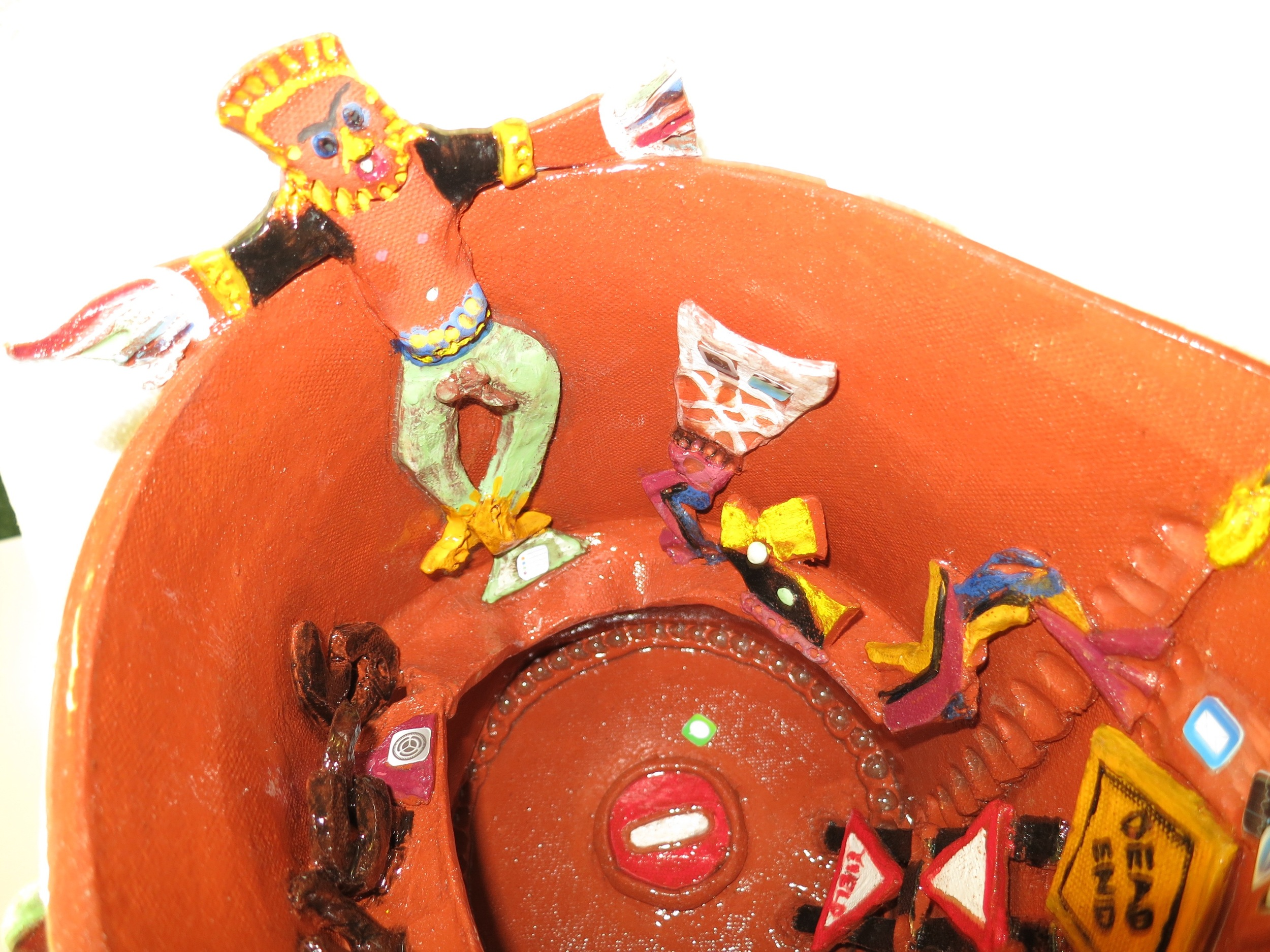 Stuffed, detail of clown_1787.jpg
