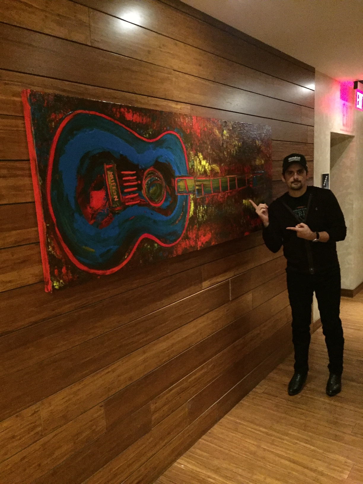 Brad Paisley shoutout to Hendon's work at The Hutton Hotel