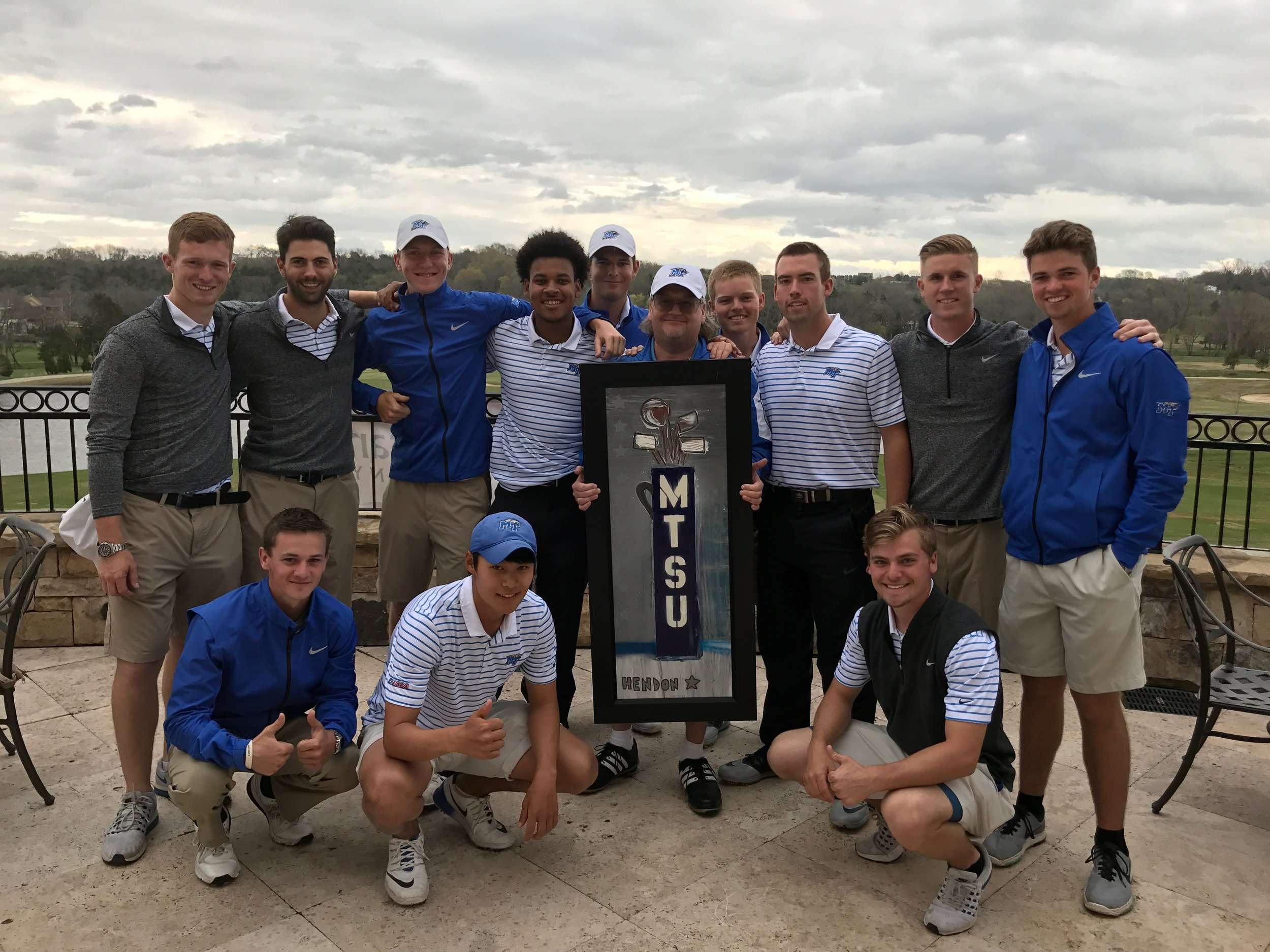 Rob did a golf-themed painting for the MTSU Golf team