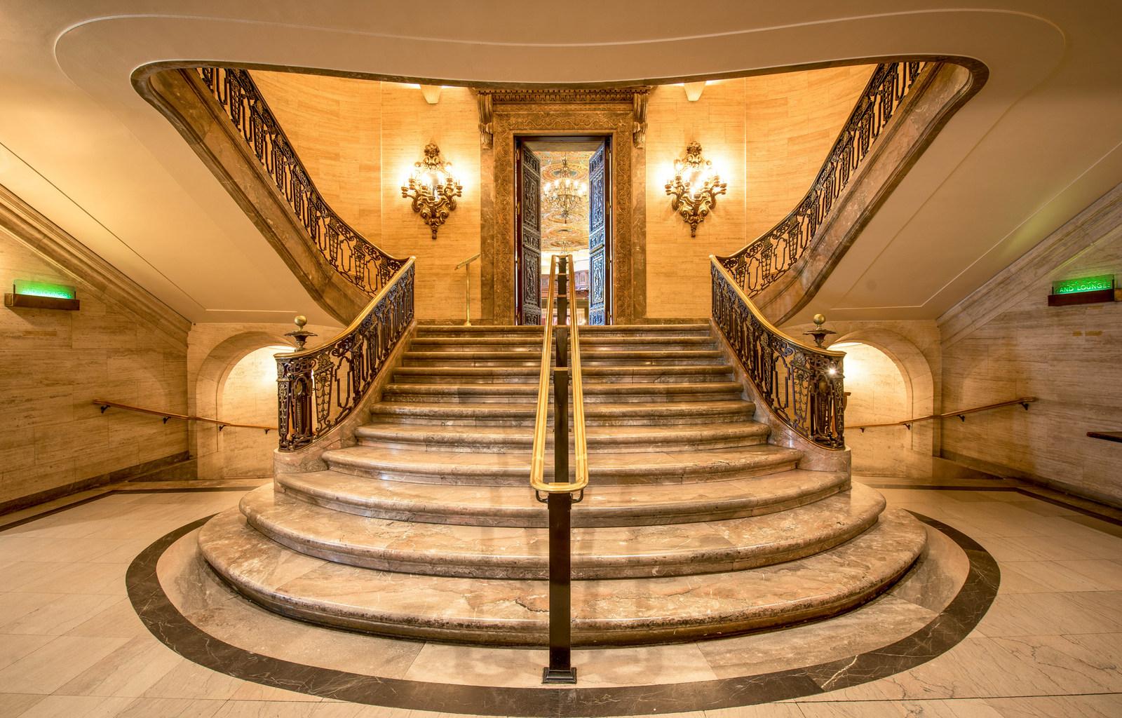 Ballroom-Foyer2.jpg