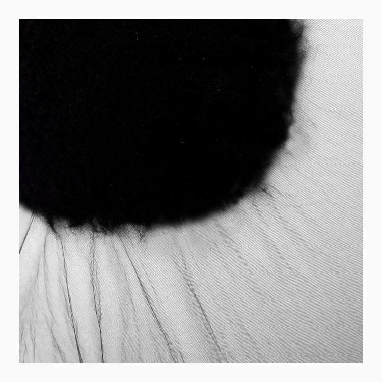 wool_hole02.jpg
