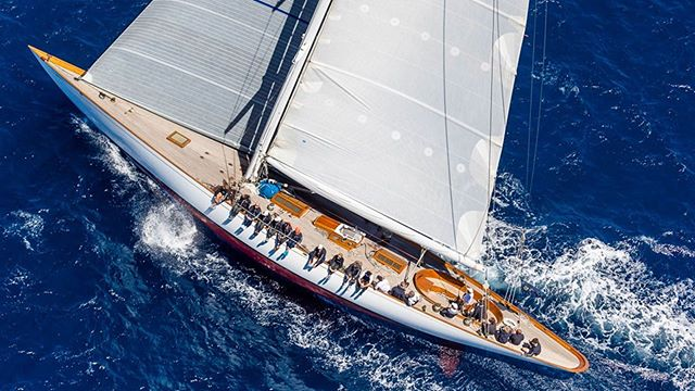 We can't wait for next year's Candy Store Cup 🍭 🍬! We are excited to have the beautiful custom Concordia sloop Savannah racing in this year's regatta. #candystorecup #newportshipyard #bannisterswharf