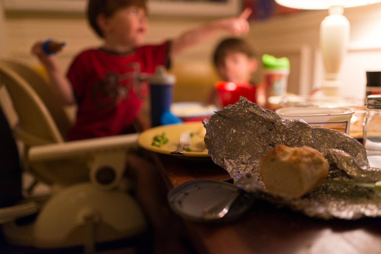 greensburg family photographer dinnertime conversations
