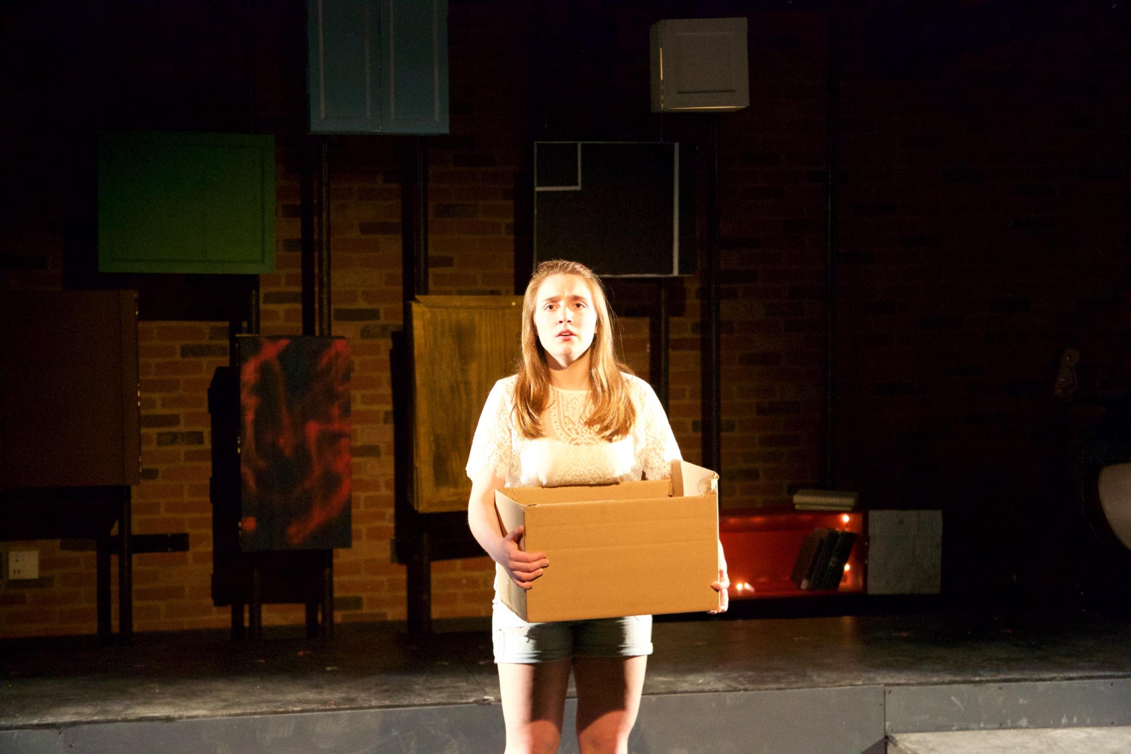 Astrid ( Sarah Chapin ).