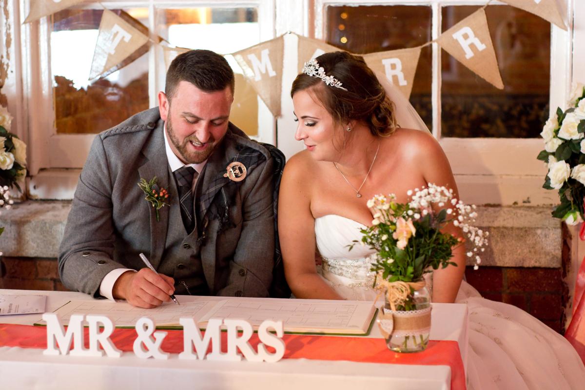 Mr-and-Mrs-Hunter-283-.jpg