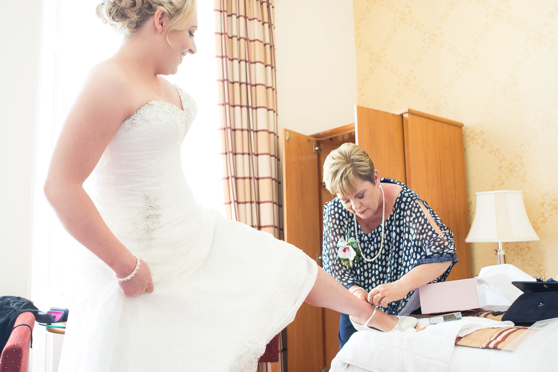 Becca and Lee's Headland Hotel Torquay wedding018.jpg