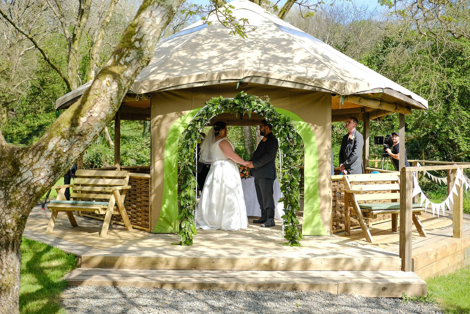 cornish tipi wedding photography 027.jpg