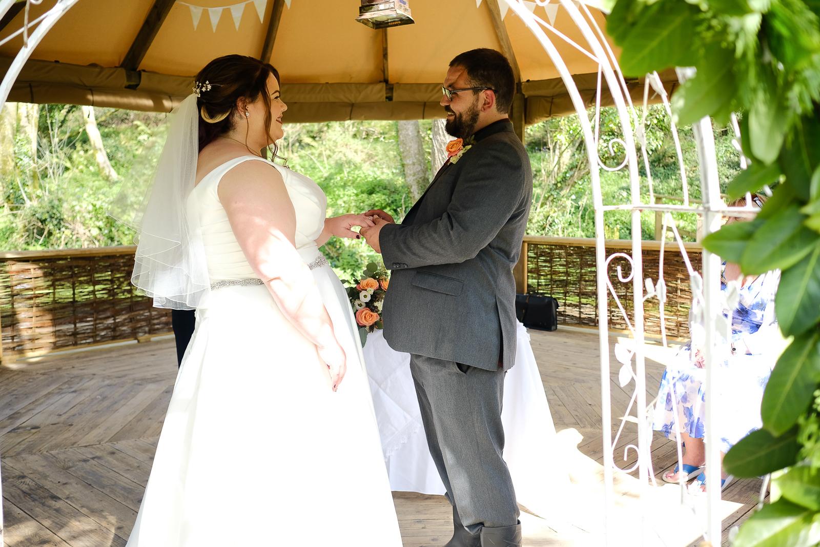 cornish tipi wedding photography 028.jpg