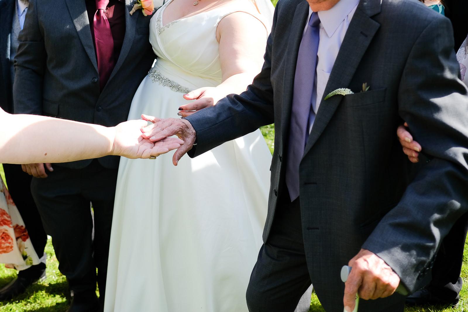 cornish tipi wedding photography 034.jpg