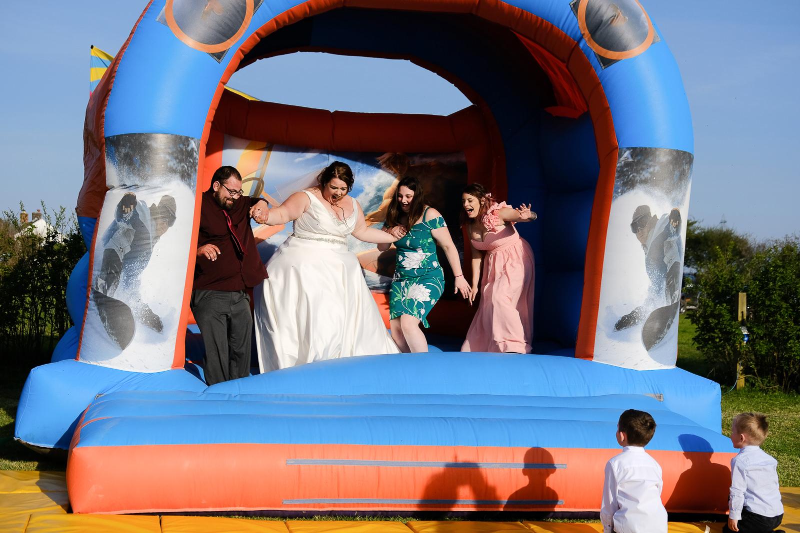 cornish tipi wedding photography 059.jpg