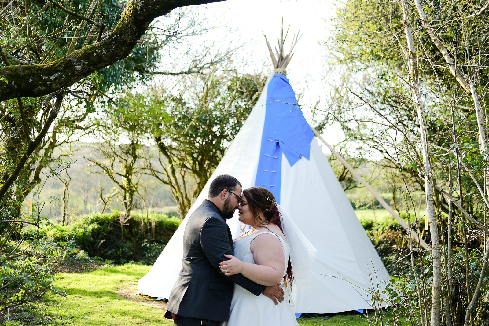 cornish tipi wedding photography 065.jpg