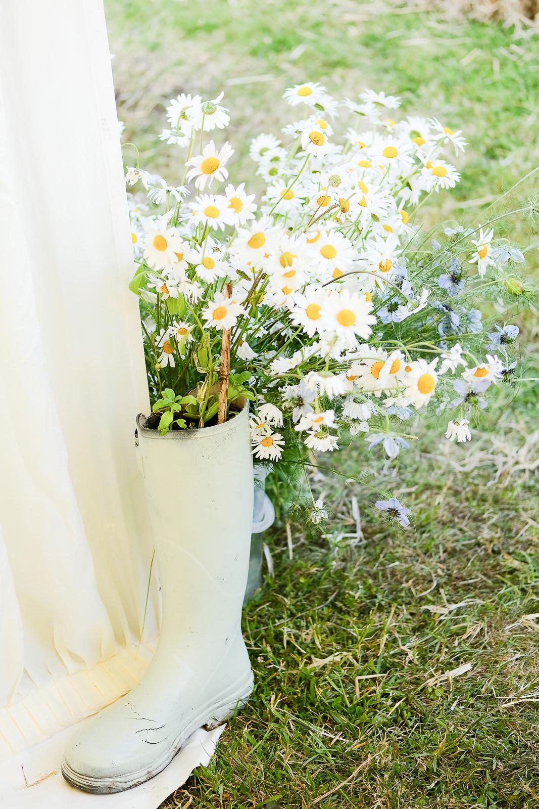 Roscarrock Farm wedding in Cornwall 061.jpg
