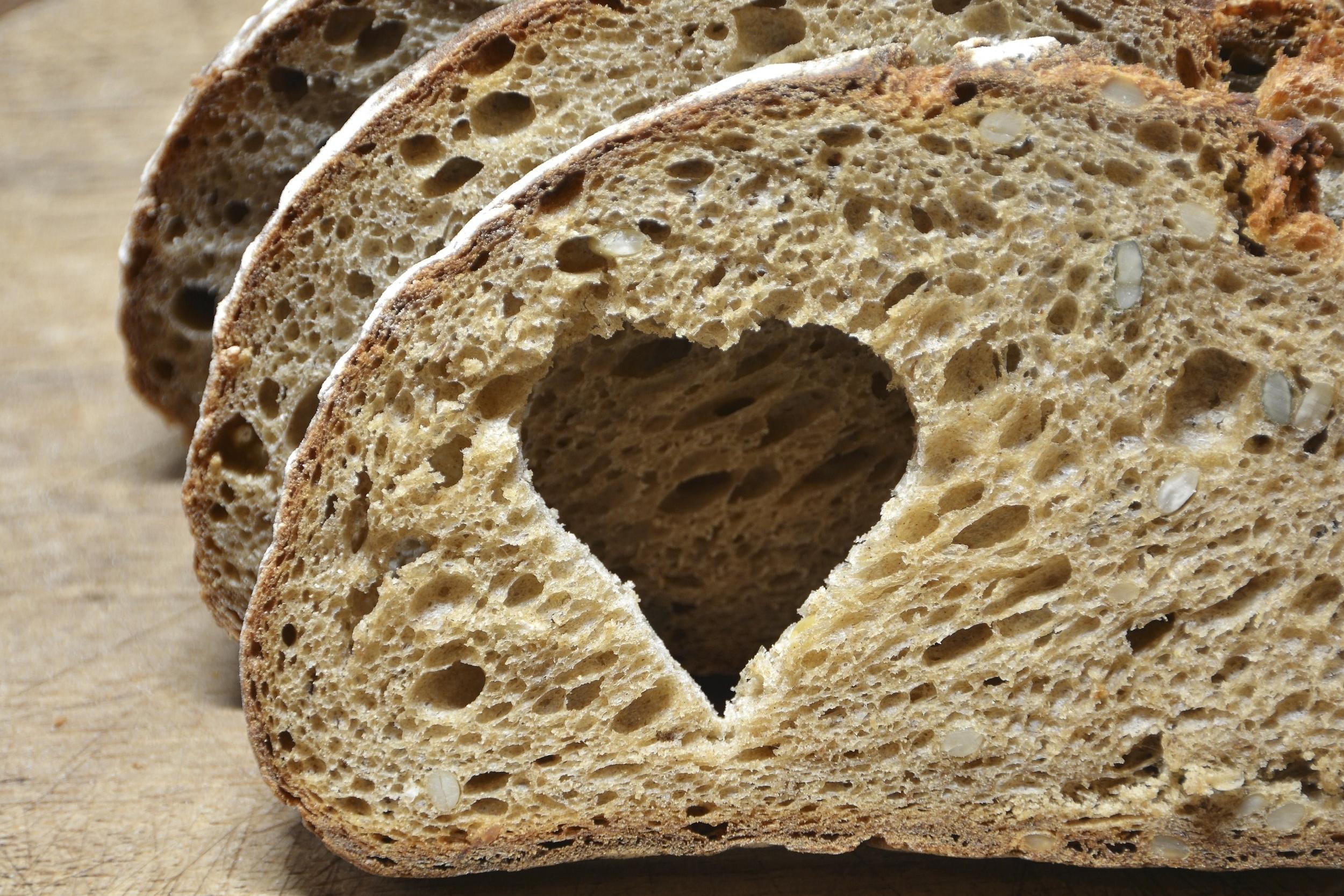 fresh-bread-000032229726_Large.jpg