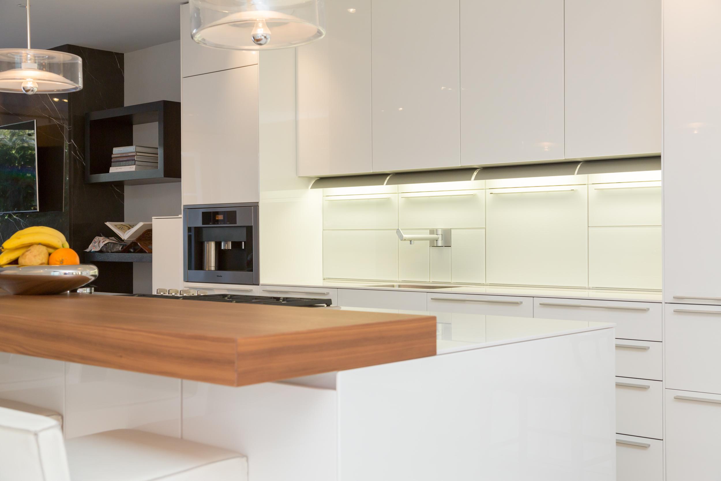 20 Kitchen 4.jpg