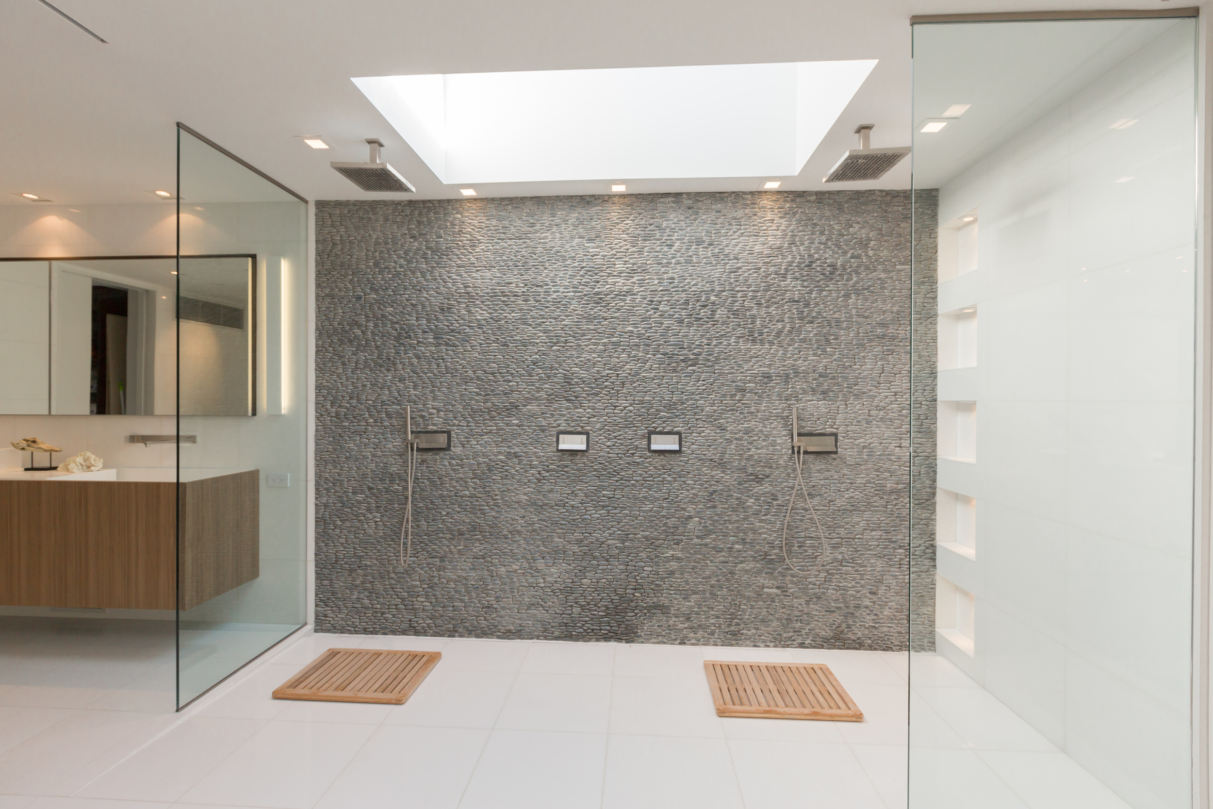 45 Master Bath 2.jpg