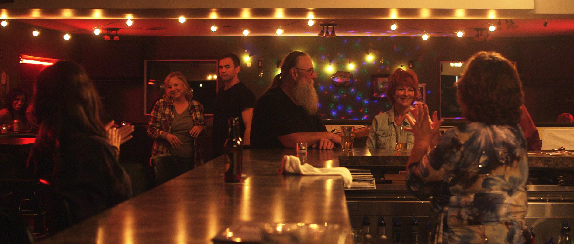 536 Vic happy family bar.png