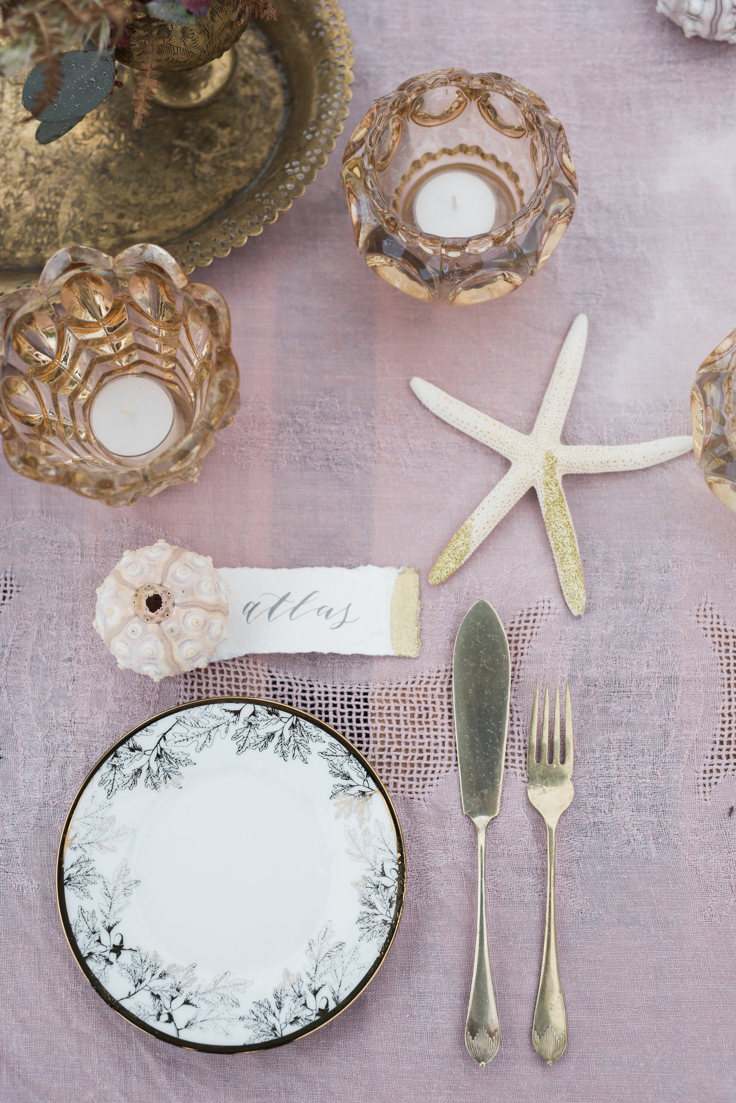Modern Calligraphy wedding place cards with gold leaf by Studio Oudizo, Cheltenham