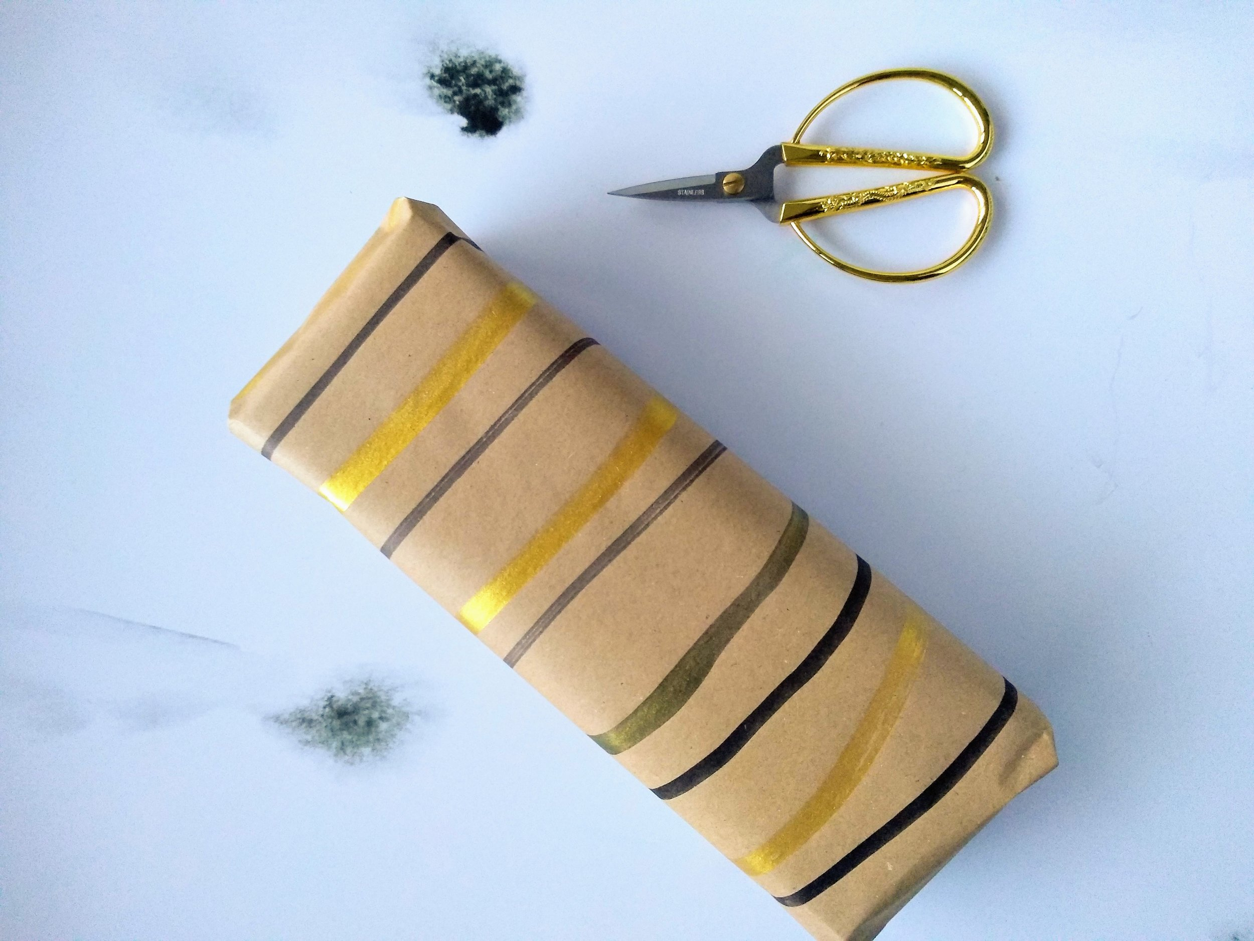 DIY Painterly gift wrap wrapping paper