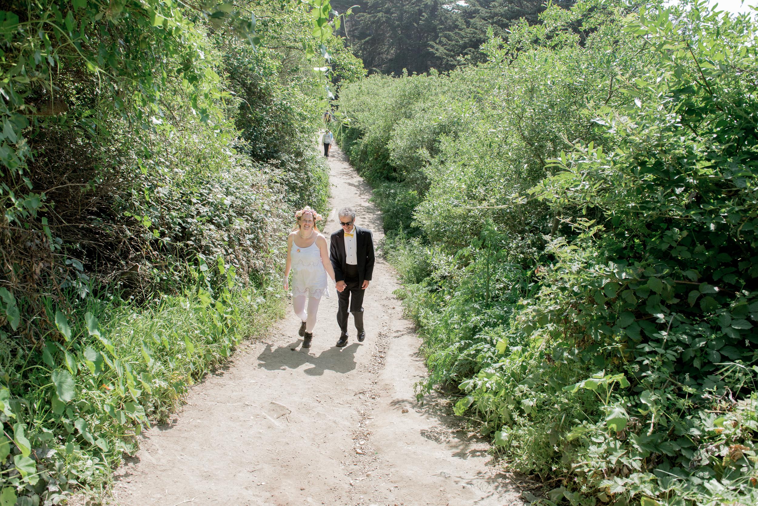 intimate-lands-end-labyrinth-san-francisco-wedding-04.jpg