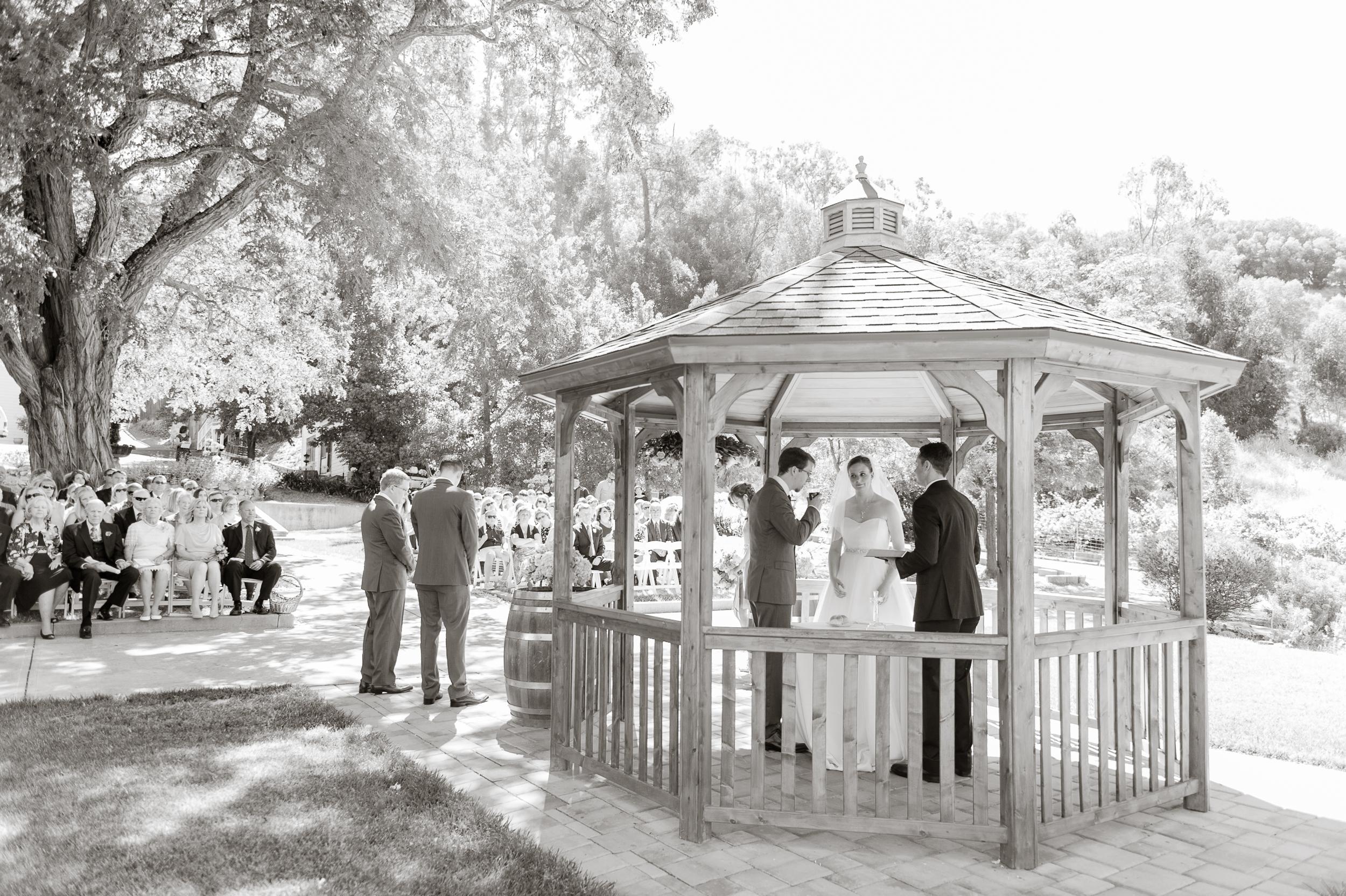 elliston-vineyards-morning-wedding-vivianchen-021.jpg