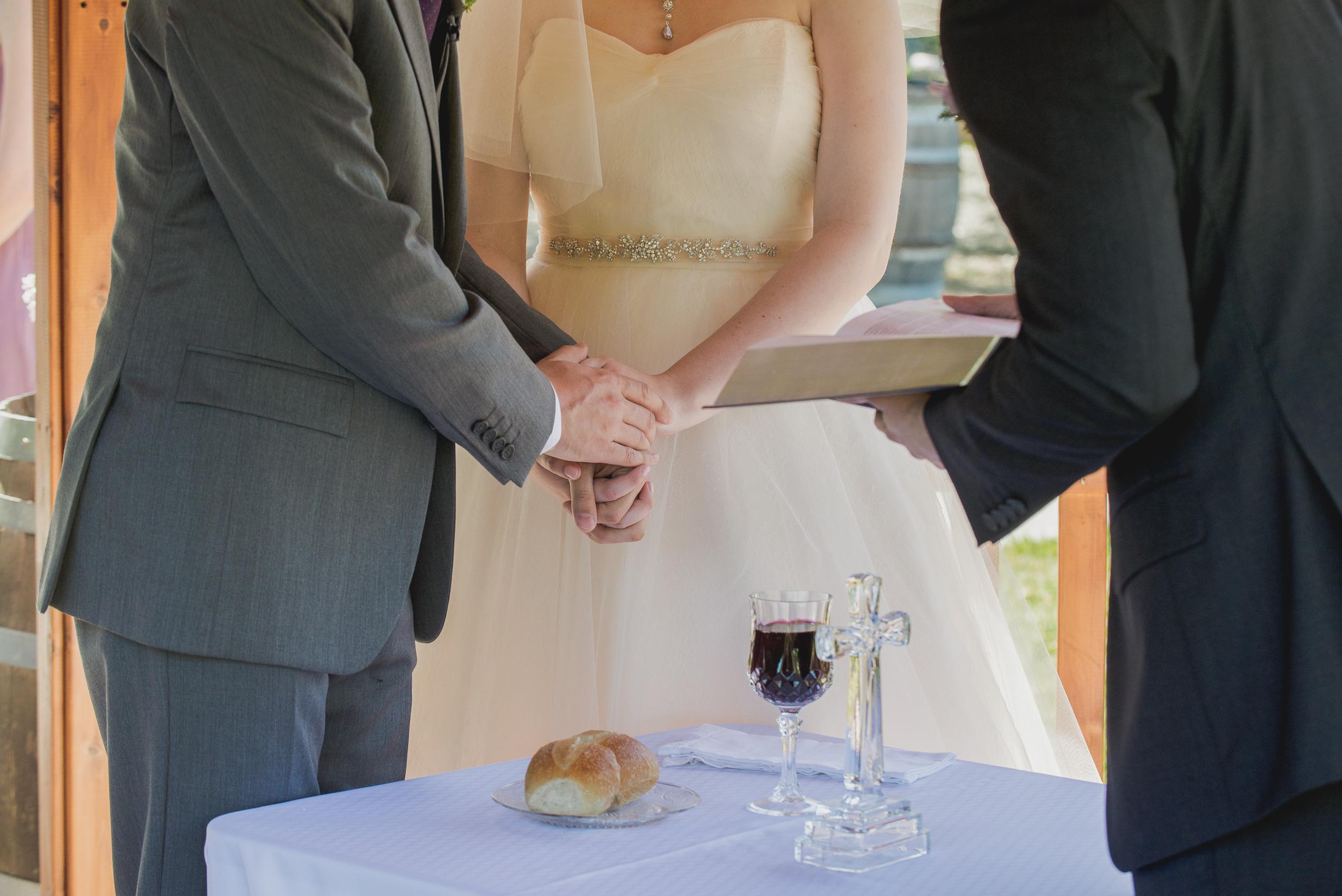 elliston-vineyards-morning-wedding-vivianchen-022.jpg