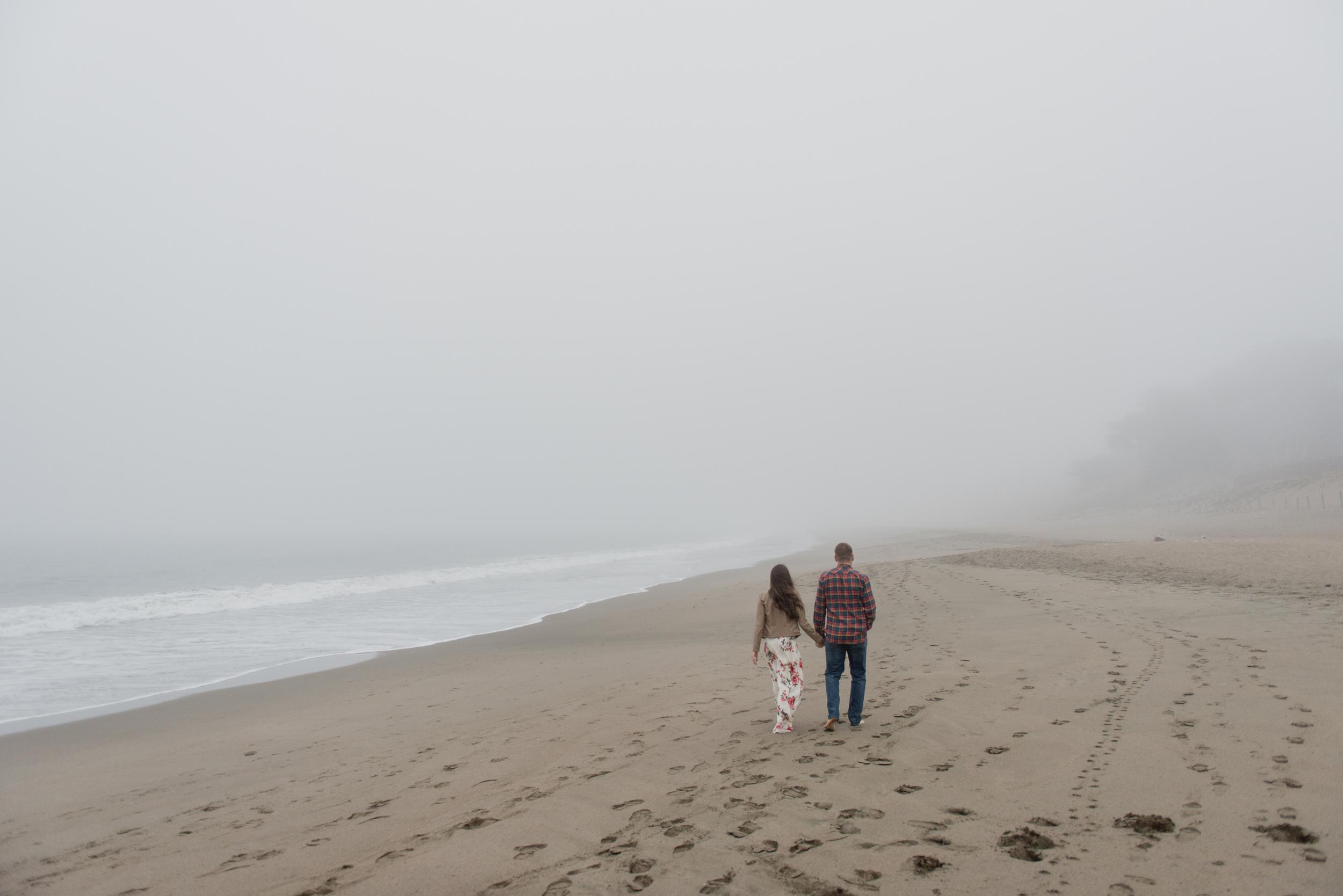 020-foggy-baker-beach-san-francisco-engagement-vivianchen.jpg